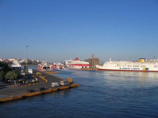 Das Passagierterminal im Hafen von Piräus, Athen